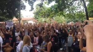 Após repressão da gestão Iris, professores decidem manter greve em Goiânia