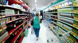Comércio varejista cresce 0,3% de fevereiro para março