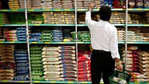 Venda em supermercados cresceram 2,24% em 2014
