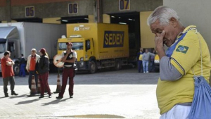 Trabalhadores dos Correios pretendem entrar de greve no fim deste mês