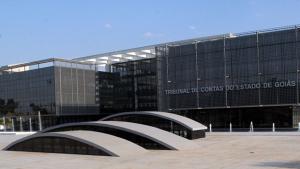 Após denúncia, TCE exonera dois servidores com salário de até R$ 41 mil