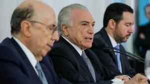 Temer anuncia veto de trecho da reforma política que permitia retirada de conteúdo online