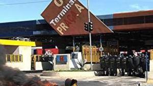 Clima de tensão no Terminal Praça A e tentativa de incêndio a ônibus do Eixão