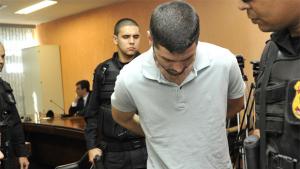 Tiago Henrique é agredido antes de ser condenado a mais 25 anos de prisão