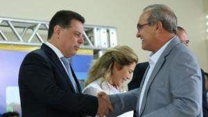 Em Trindade, Marconi assina ordem para ampliação dos serviços no Hospital de Urgências