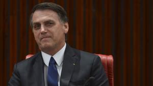 Internautas respondem à pergunta de Bolsonaro: o que é golden shower?