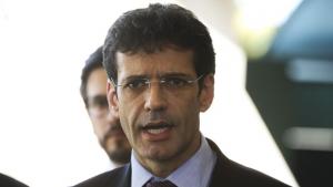Polícia Federal indicia assessores do ministro do Turismo e candidatas no caso das laranjas do PSL