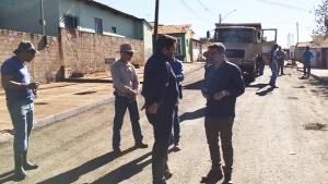 Vinícius Luz acompanha andamento de obras em Jataí