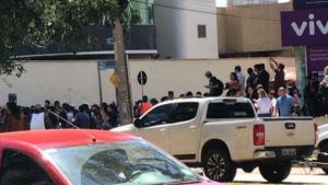 Em Goiânia, trabalhadores de call centers protestam e alegam falta de cuidados na prevenção ao coronavírus