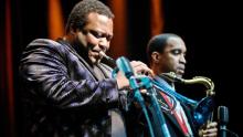 Trompetista que tocou com Miles Davis morre devido ao coronavírus