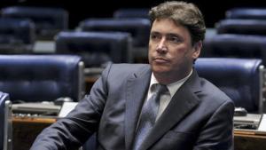 Aliado admite que saída da base complicou situação de Wilder com prefeitos
