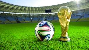 Culto ao futebol impede Aécio de tomar de Dilma o palanque da Copa